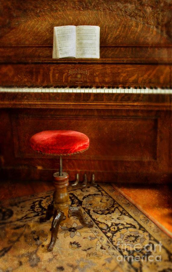 vintage-piano-jill-battaglia
